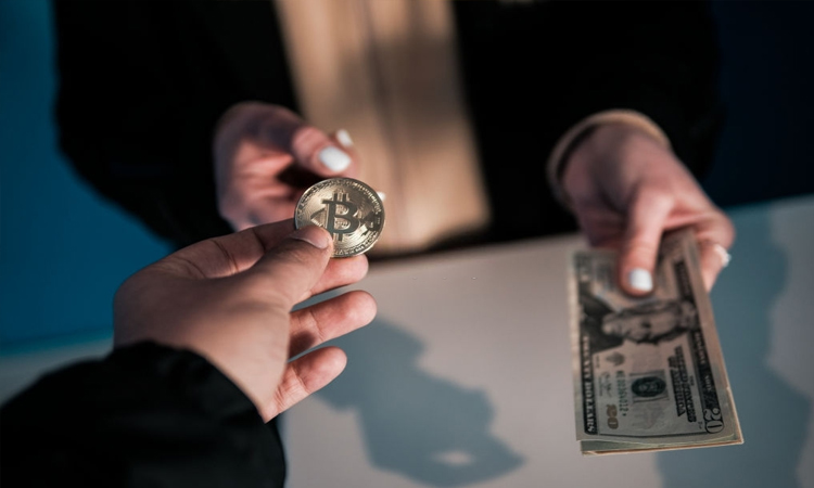 Kaip išsigryninti dideles Bitcoin sumas